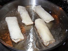 Egg Rolls Frying