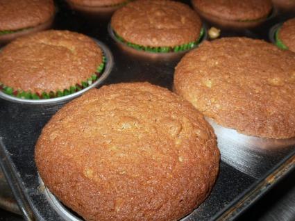 Baked Cinnamon Toast Crunch Cupcakes
